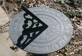442px-sundial_2r